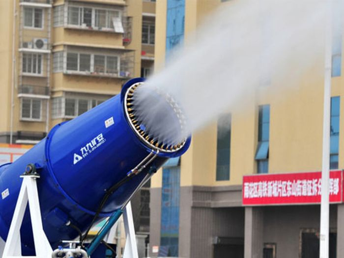 China Tries To Battle The Smog With A New Weapon (4 pics)