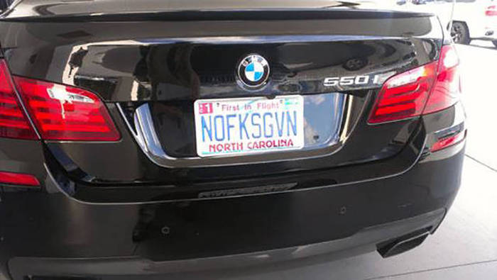 Witty License Plates That You Can't Help But Laugh At (30 pics)