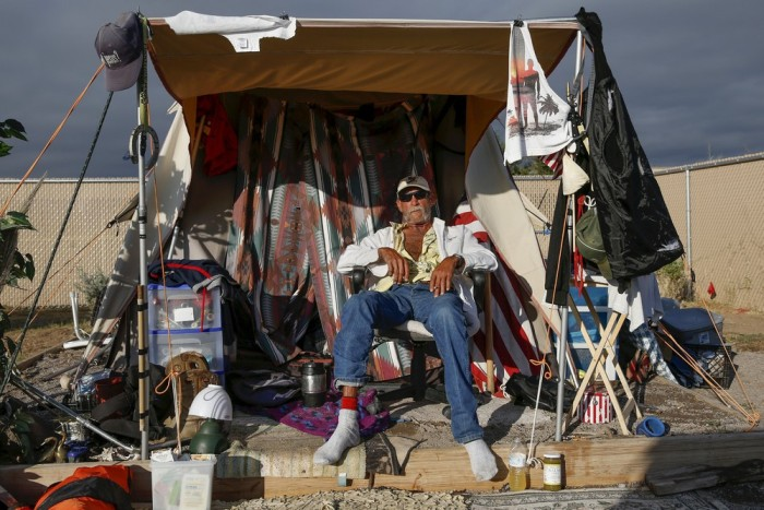 The Homeless Have Created Their Own Tent City In Arizona (35 pics)