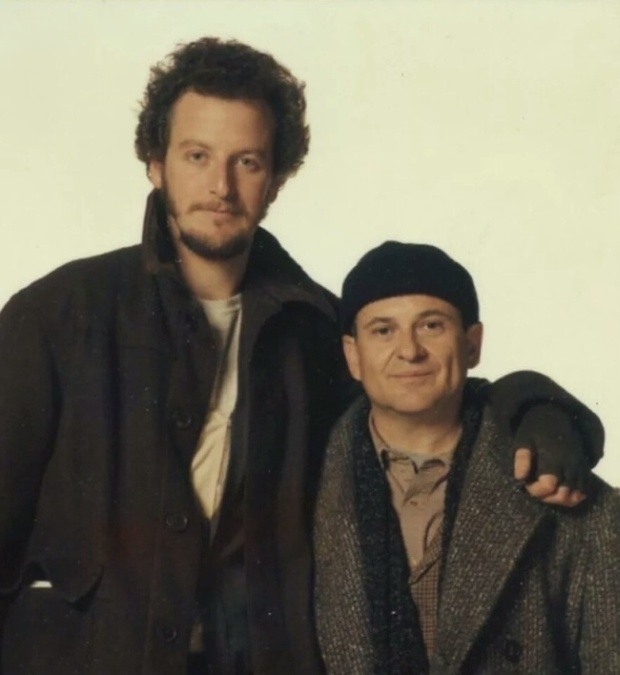 Harry And Marv From Home Alone Back In The Day And Today (2 pics)