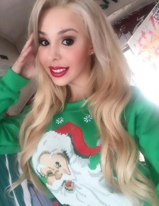 Hot Girls That Know How To Make Ugly Christmas Sweaters Look Sexy (24 pics)