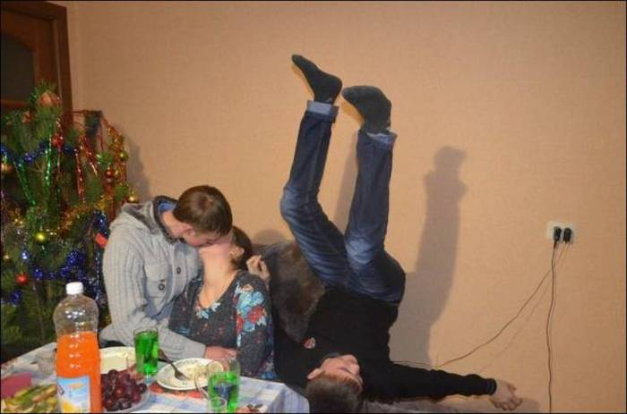Alcohol Is Always The Ingredient That Gets A Party Started (40 pics)