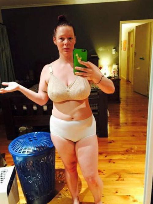 Brave Mother Goes Viral Thanks To A Photo Of Herself In Her Underwear (6 pics)