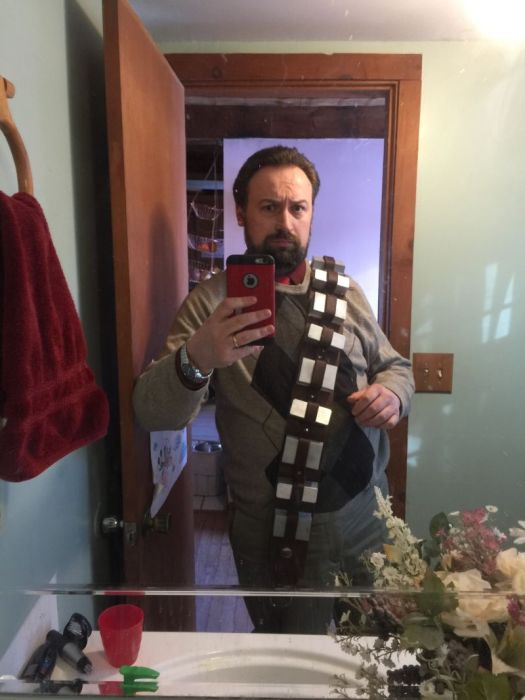Fan Builds His Own Lifelike Chewbacca Costume From Star Wars (24 pics)