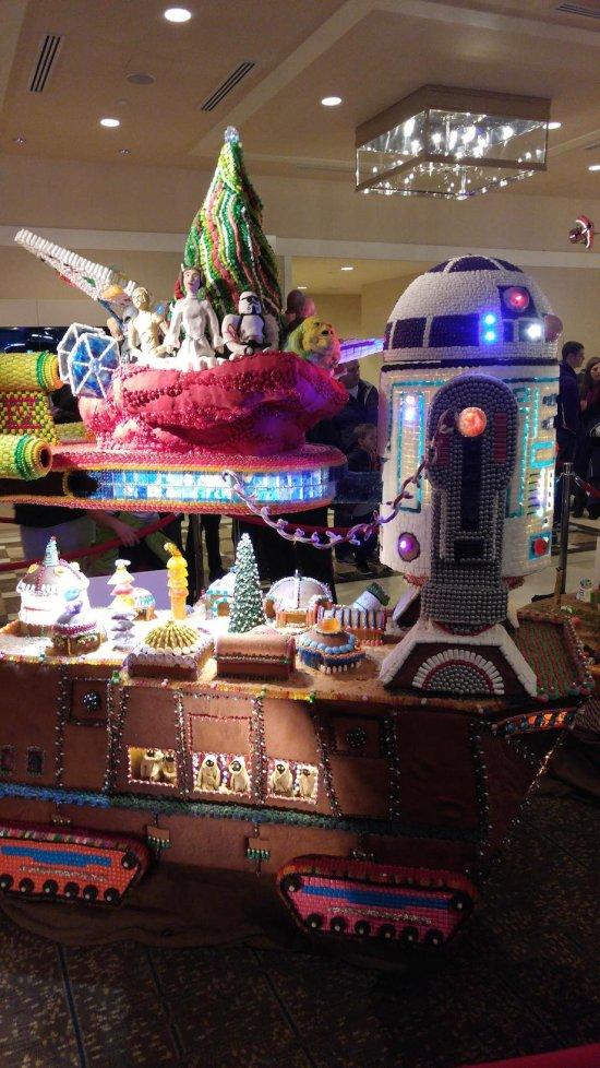 Star Wars Gingerbread Houses From A Galaxy Far, Far Away (13 pics)