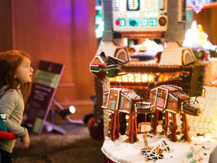 Star Wars Gingerbread Houses From A Galaxy Far, Far Away (13 pics)