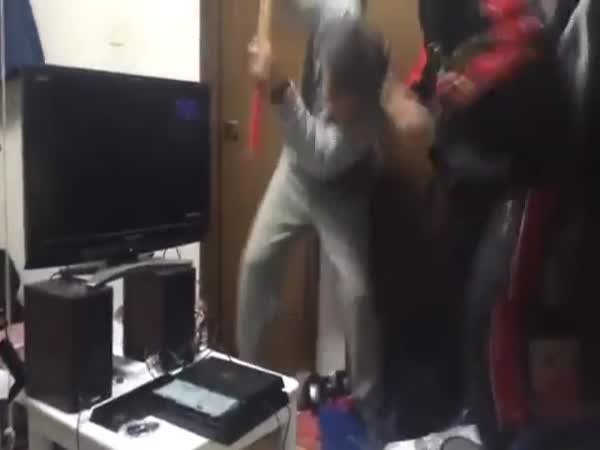 Dad Destroys Kids PS4 With Sledgehammer After 10 Straight Hours Of Gaming
