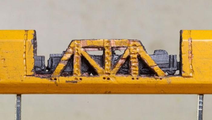 An Artist Made A Stunning Sculpture Of A Train Out Of A Pencil (5 pics)