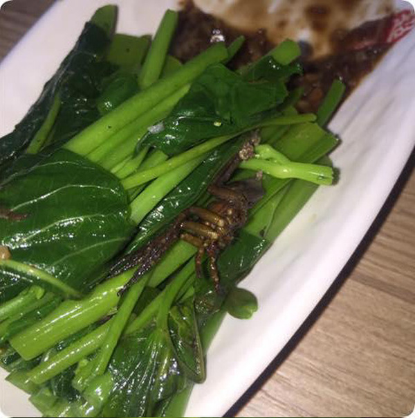 Customer Gets Something Extra With Their Water Spinach (4 pics)