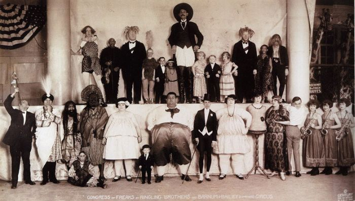 These Old Creepy Circus Photos Are No Laughing Matter (20 pics)