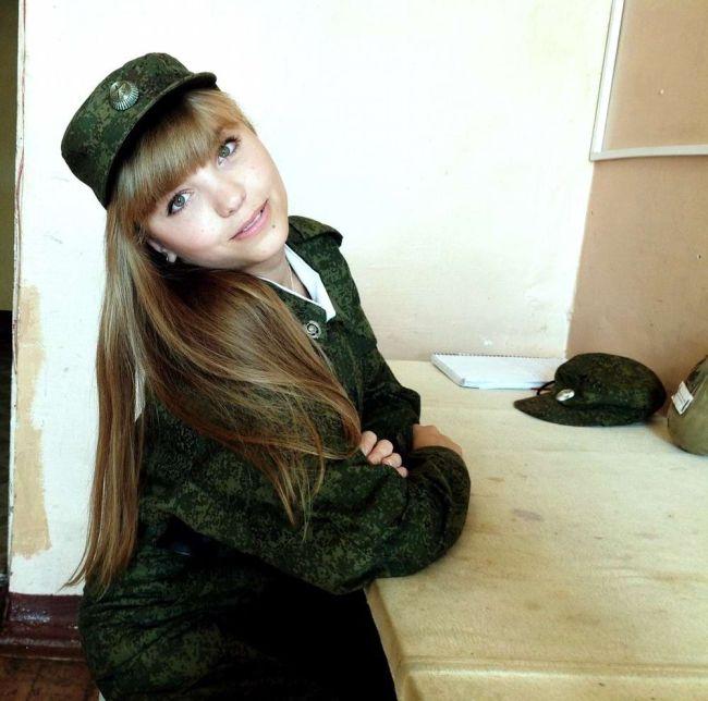 The Ravishing Women Of The Russian Military (35 pics)
