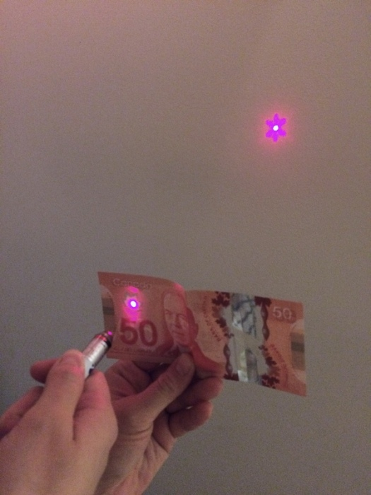 What Christmas Lights Look Like Through A Canadian Dollar (7 pics)