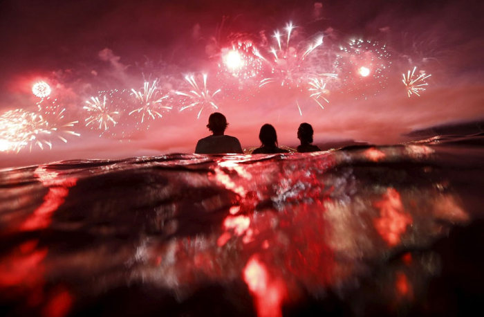 The 2015 New Year's Eve Celebrations On Copacabana Beach In Brazil (10 pics)