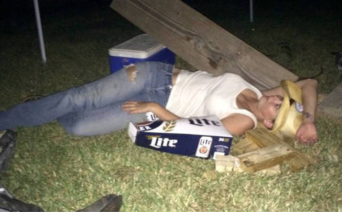 You Know The Party Is Getting Out Of Hand When It Starts To Look Like This (63 pics)