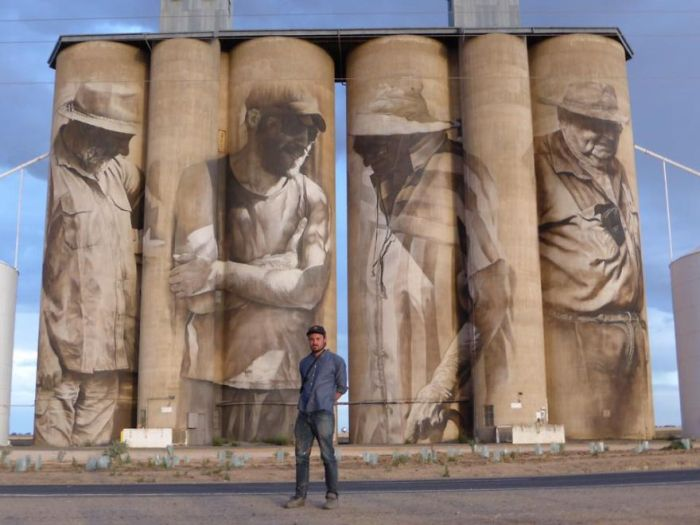 Street Artist Transforms A Small Town With A Stunning Mural (4 pics + video)