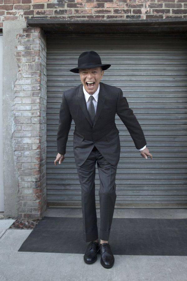 Photos From David Bowie's Last Photoshoot Before He Passed Away (2 pics)