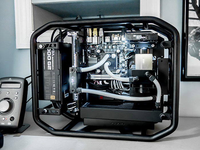 PC Enthusiasts Are Going To Love All This Eye Candy (26 pics)