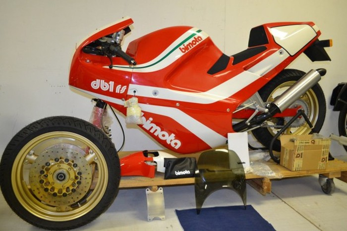 The Bimota DB1SR Is Like Something Out Of A Time Capsule (13 pics)