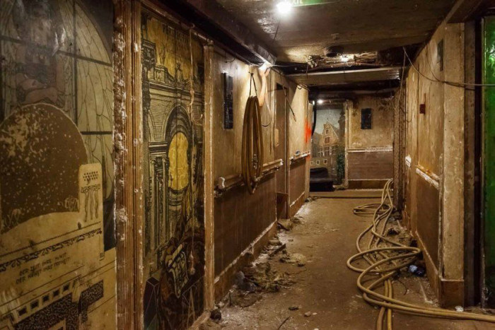 A Look Inside The Costa Concordia (13 pics)