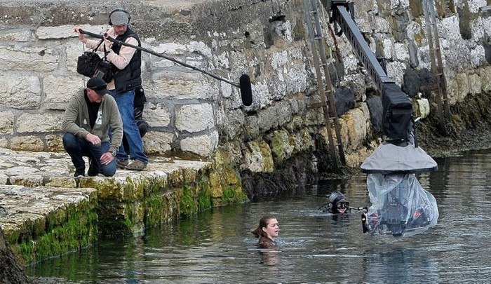 New Photos From The Set Show Off A Good Look At Game of Thrones Season 6 (22 pics)