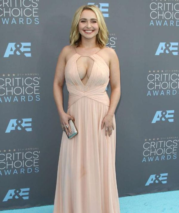 Hayden Panettiere Stepped Out In A Sexy Dress At The Critics Choice Awards (6 pics)