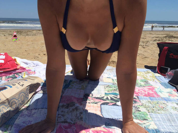 Patrick From Spongebob Is Freaking Out Over These Hot Girls In Bikinis (19 pics)