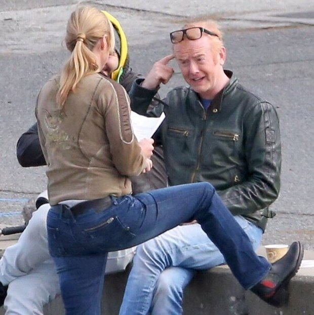 Top Gear Host Chris Evans Gets Sick On The Set (3 pics)