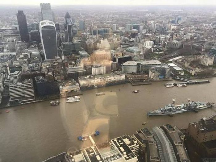 You Can Get The Best View Of London In An Unlikely Place (2 pics)