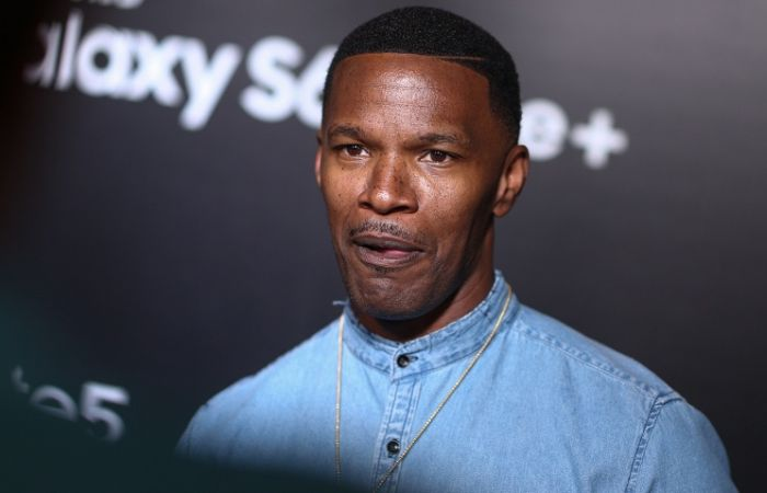Jamie Foxx Saves Los Angeles Man From A Burning Truck (5 pics)