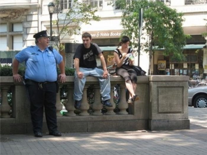 You Could Definitely Outrun These Fat Police (22 pics)