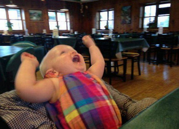 Baby Has Awesome Reaction After Trying Flan For The First Time (5 pics)