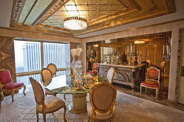 See How Donald Trump Lives In These Photos From His New York Penthouse (11 pics)
