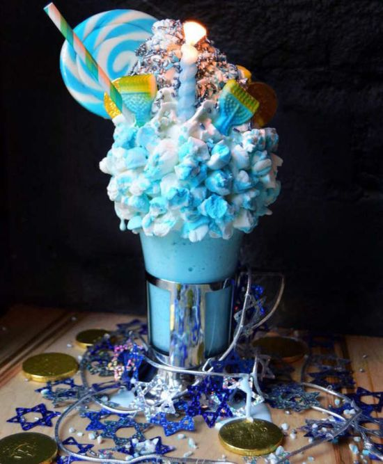 These Giant Milkshakes Look Like The Most Delicious Thing Ever (15 pics)