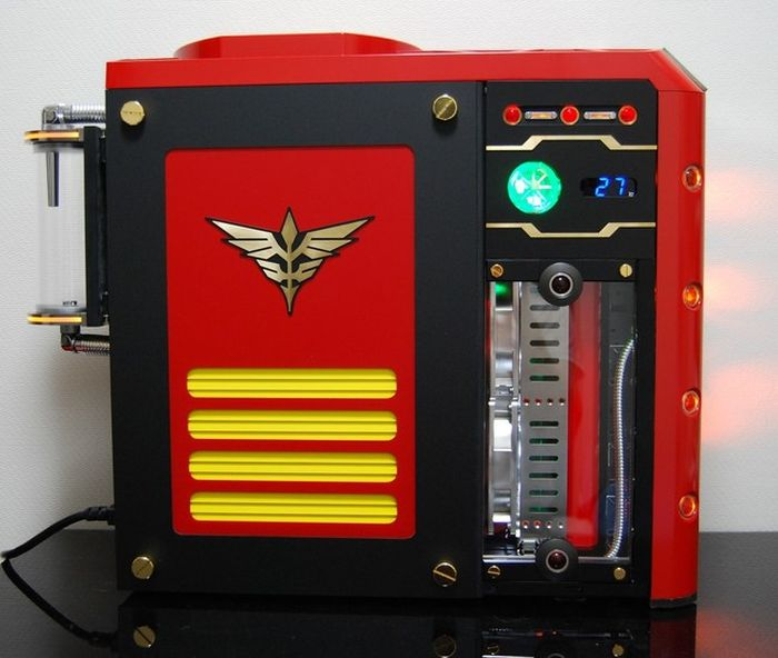 A Little PC Modding Porn For All The Tech Geeks Out There (41 pics)