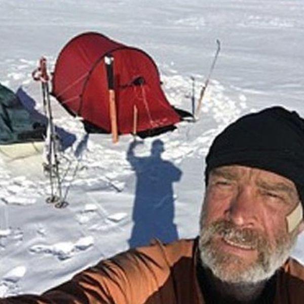 Man Takes Inspirational Selfies While Exploring Antarctica (6 pics)