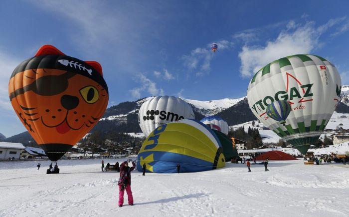 Stunning Photos From Switzerland's International Balloon Festival (17 pics)
