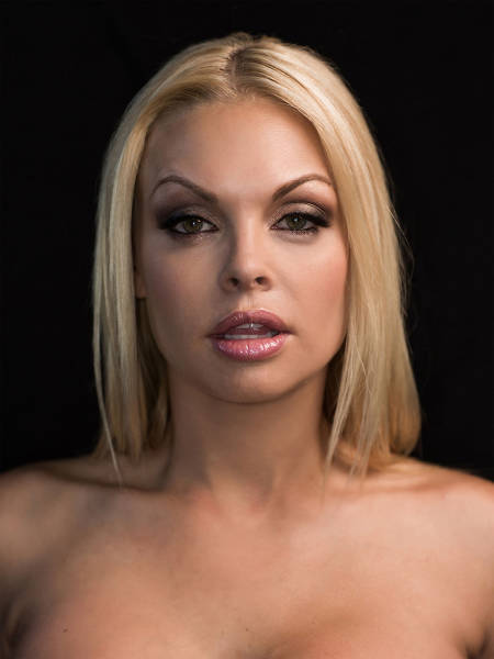 Porn Stars Pose For Sexy Portraits In An Artistic Style (24 pics)