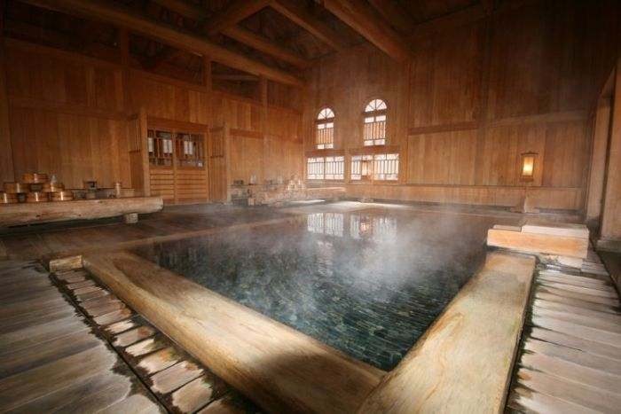 The Oldest Hotel In The World (8 pics)