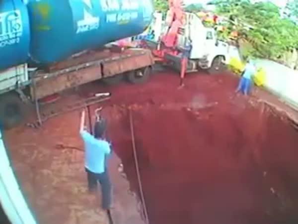 Unloading Tank