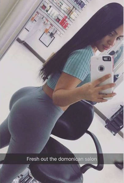 These Gorgeous Girls In Yoga Pants Are Here To Make Your