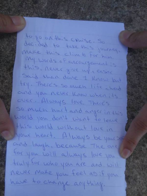 Someone Found A Heartbreaking Note At The Top Of The Mayan Ruins (4 pics)