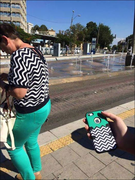 People Who Found A Way To Perfectly Blend In With Their Surroundings (25 pics)