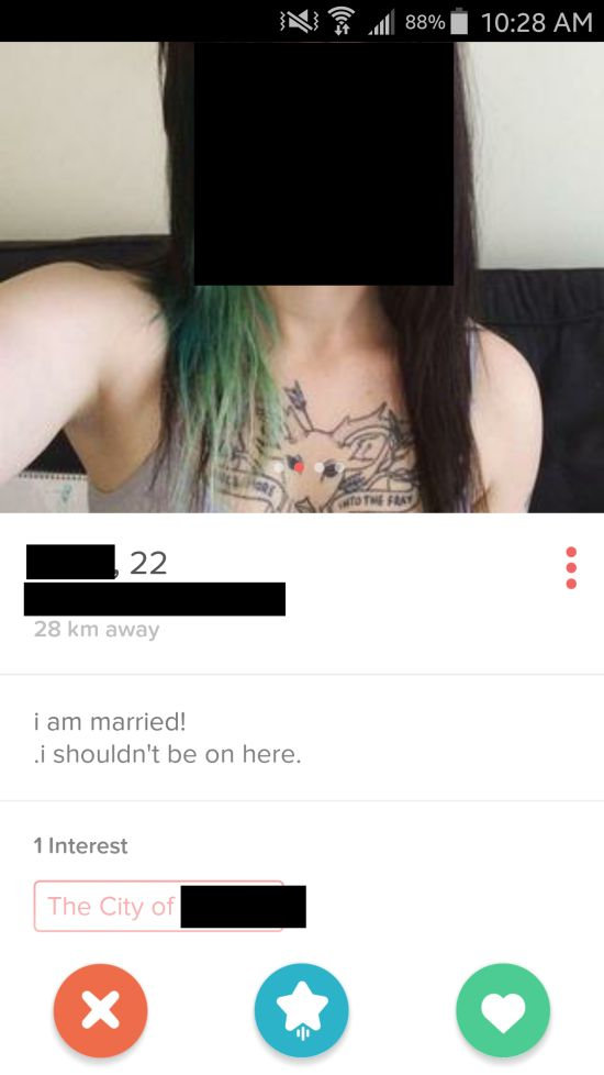 Tinder Proves Every Single Day That There's Someone For Everyone (31 pics)