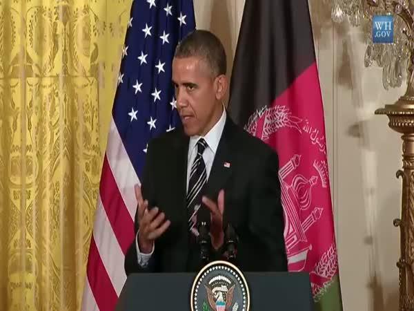 Barack Obama Singing Sorry By Justin Bieber