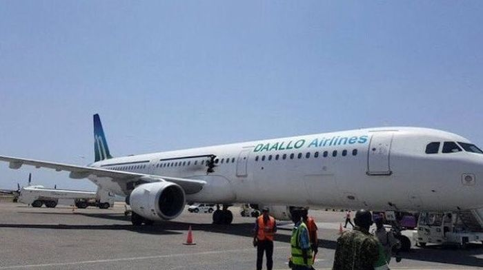 Explosion Takes Place On Board A Daallo Airlines Flight (3 pics)