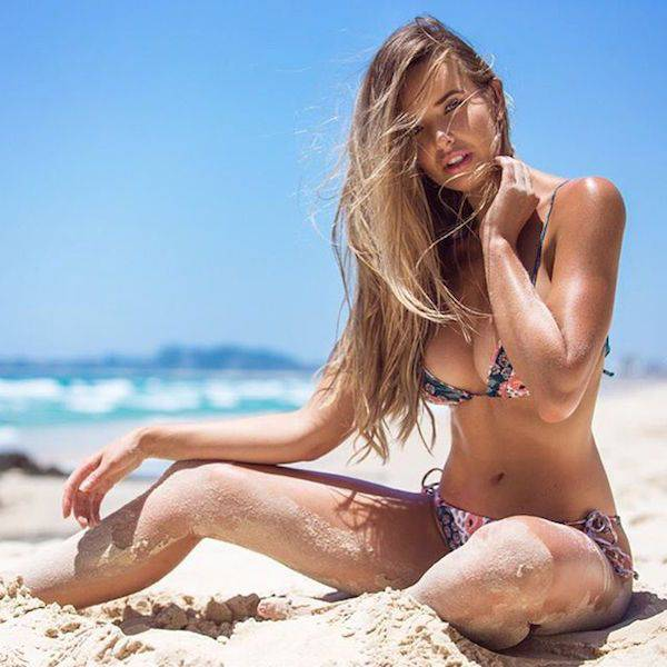 Beautiful Babes In Bikinis Are The Best Reason To Go To The Beach (44 pics)