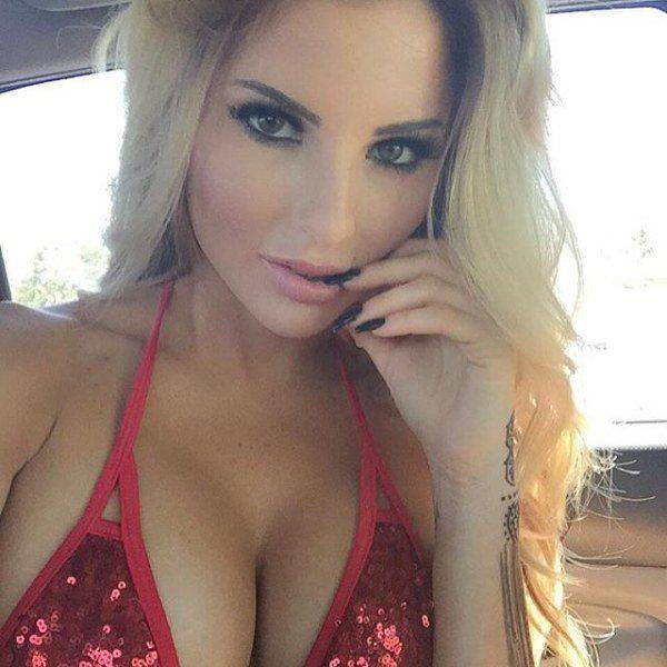 Gorgeous Girls That Will Give You Something To Smile About (52 pics)