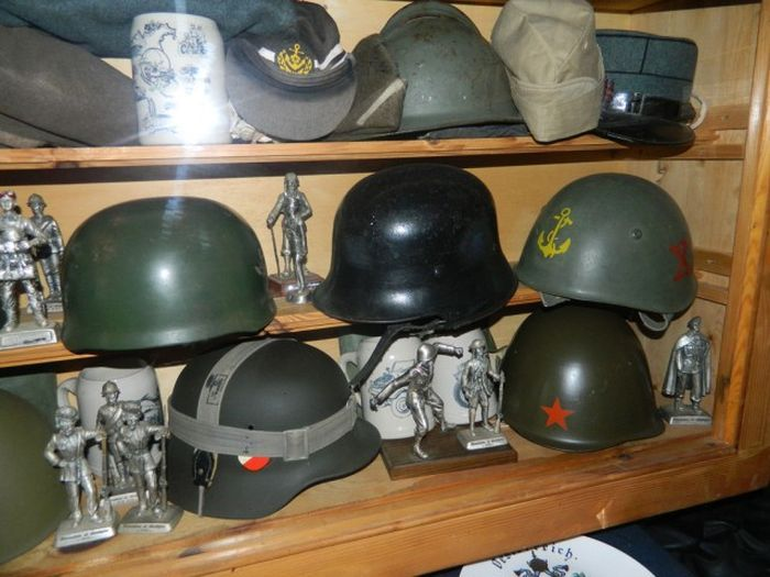 A Look Inside The Arsenal Of A SS Veteran (51 pics)