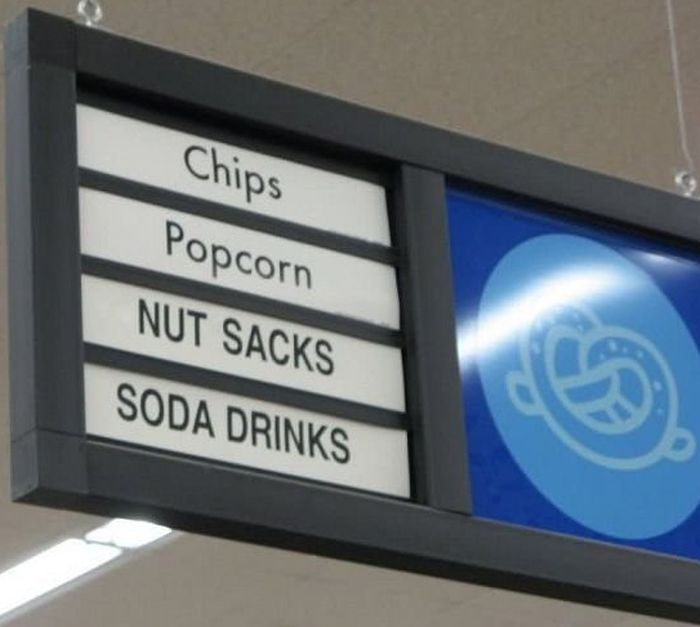 Grocery Store Displays That Accidentally Horrified Shoppers (14 pics)
