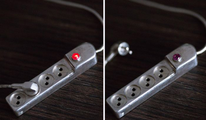 Man Creates An Unusual Pendant For His Wife (4 pics)